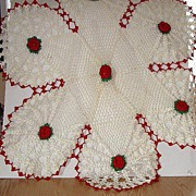 """Vintage Exquisitely Hand Crocheted Six Lobed Table Cloth Red & Green Floral Doily 29"""""""
