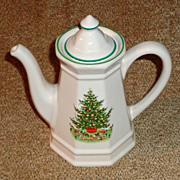 "Pfaltzgraff Christmas Heritage 8"" Coffee Pot & Lid"