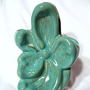 Gonder Pottery Flower Form Vase ~ Green Fleck