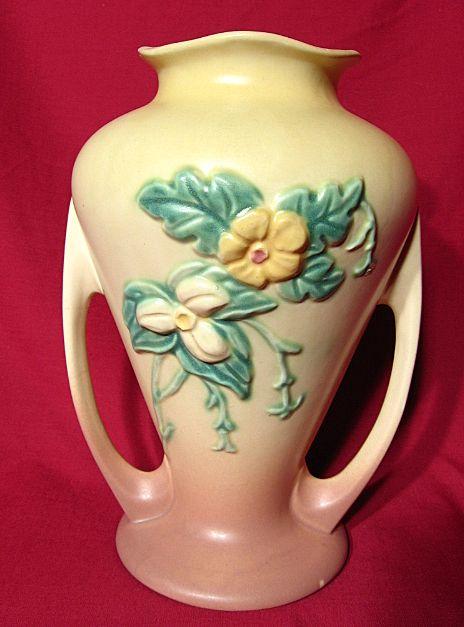 Hull Wildflower W12 Handled Vase