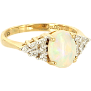 Vintage 14 Karat yellow Gold Opal Diamond Cocktail Ring Fine Estate Jewelry