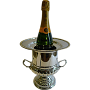 Early Twentieth Century English Silver Plated Wine or Champagne Cooler With Original Liner c.1