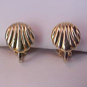 FREE Ship & Half Price ~ Gilt Gold SHELLS Clip Earrings