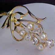 Fabulous TEARDROP (PEAR CUT) Diamante & Simulated Pearls Gold Plate Brooch
