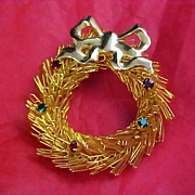 SALE CHRISTMAS Rhinestone Wreath - Rose Gilt Gold Paper Clip Dimensional Brooch