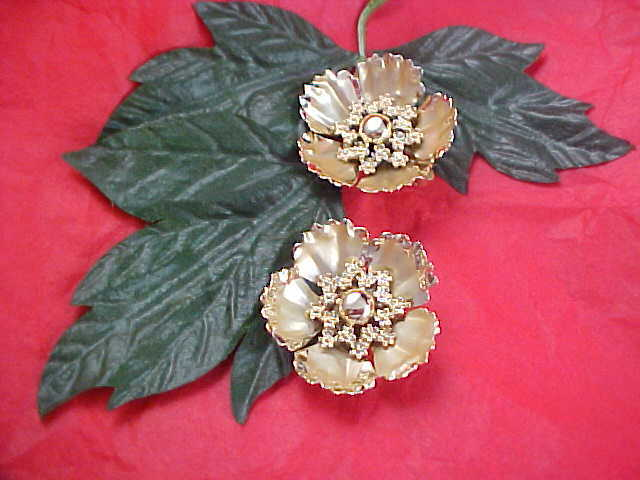 Old  CORO Script r - Gold Plate & Gilt Gold Beveled Floral Clip Earrings