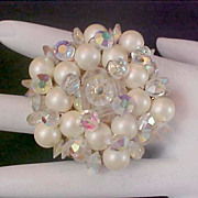 SALE Fabulous Unsigned KRAMER Crystals & Simulated Pearl Dimensional Brooch