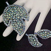 SALE Mid-Century Blue AURORA BOREALIS - Pave - Chatons and Baguette Brooch & Clip Earring