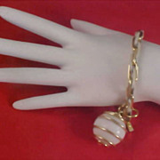 SALE Caged WHITE GLASS BALL Dangle Gilt Gold & White Metal Link Bracelet