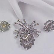 MID CENTURY Black Diamond  Rhinestone  Suite ! Massive Brooch & Clip Earrings