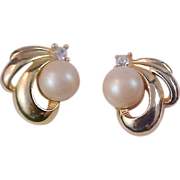 SALE Phenomenal  10 mm Simulated Pearl & Diamante Gold Plate Post Earrings