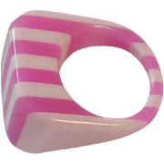 SALE ASK Half Off-Awesome Asymmetrical 1950s ACRYLIC Fashion Ring ~ Size 7 3/4
