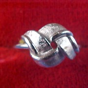 SALE AVON - Folded Ribbons Silver Tone Ring -  size 7 - Adjustable