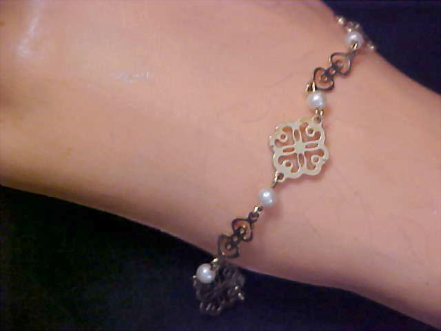 AVON~Dainty Simulated PEARL & Filigree Gilt Gold Bracelet