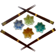 Four Wood Chop Stick Set with Leaf Holders