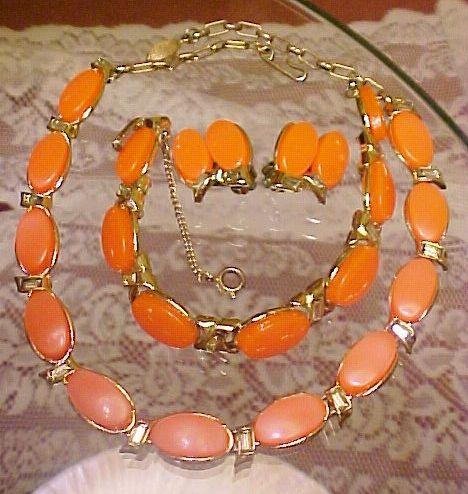 Thermoset Parure Coral Orange Necklace Bracelet Earrings Set Rhinestone Vintage