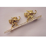 Figural 18kt Gold & Diamond Pin / Pendent of Two Mountain Climbers
