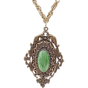 Impressive Pendant Necklace with Green Center