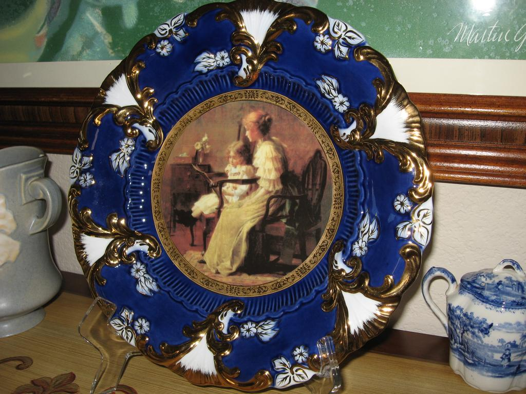 """Royal Vienna Portrait Mother & Child 12"""" Charger Plate MINT"""