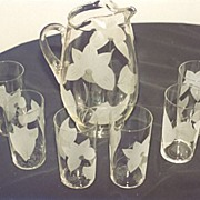 Water Glass Set With Abstract Floral Design