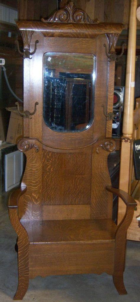Oak Hall Tree, Hall seat