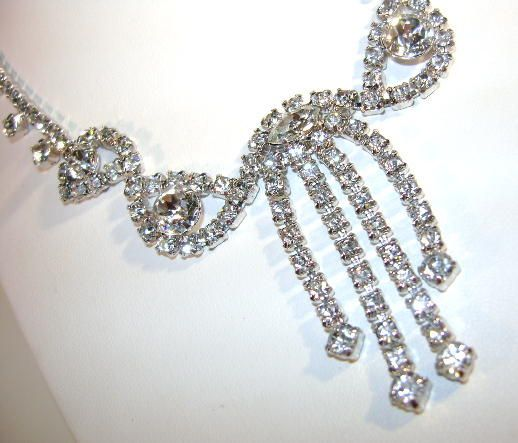 VINTAGE Unsigned  Beauty Rhinestone Necklace and Earrings