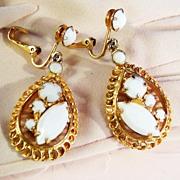 Classic Teardrop Milk White Earrings
