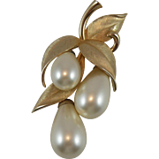 Marvella Dangle Faux Pearl Brooch Pin