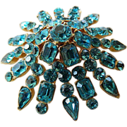 Gorgeous glass Aqua stones raised Starburst pin