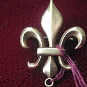 Tiny Victorian Fleur de Lis Gold Filled Guard Pin