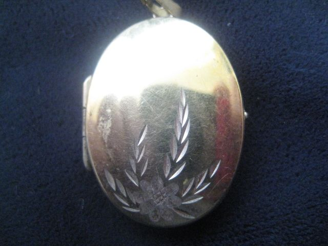 REVISED: Pretty Vintage Gold Wash over Silver Locket AS IS