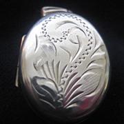 Very Pretty English Vintage Silver Locket