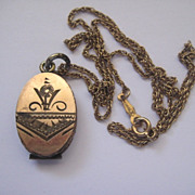 Pretty Early 1900s Oval Locket with Aesthetic Design