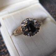 Vintage 9ct Gold Black sapphire Ring - Size 6