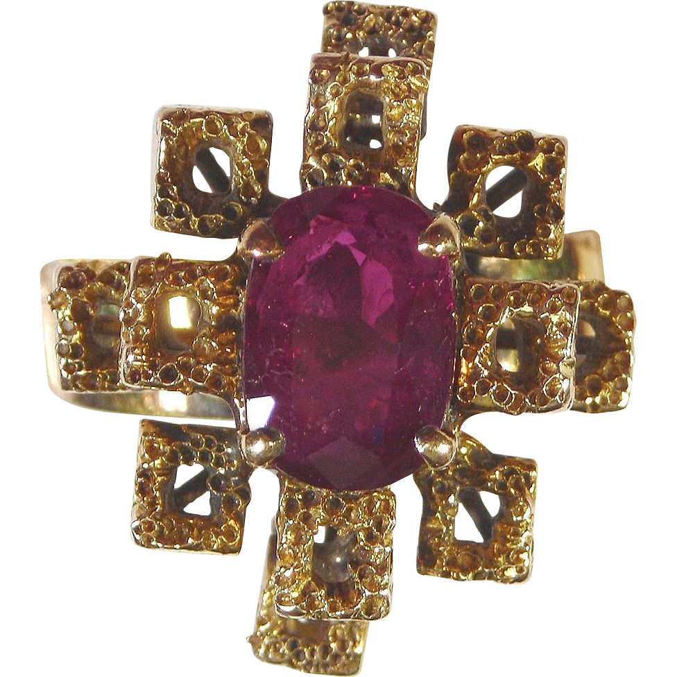 Ruby Ring 18kt Yellow Gold , Size 7 1/2