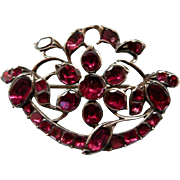 A Georgian Garnet and 9ct Gold Floral Brooch. Circa 1770.