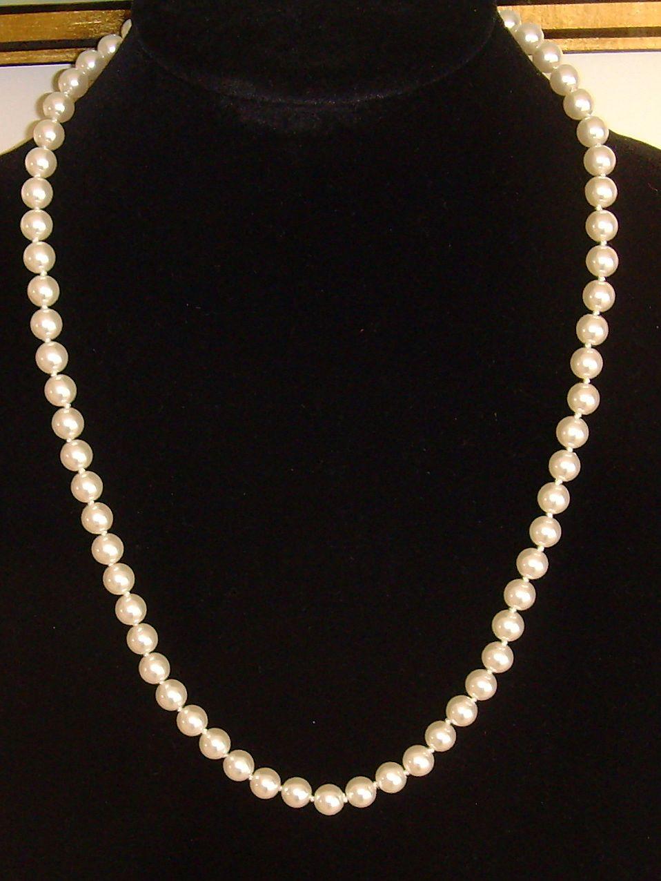 Simulated Single Strand Pearls
