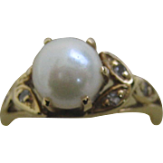 14k Pearl & diamond ring