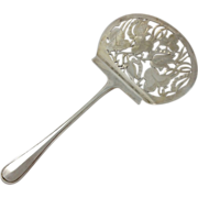 High quality 833 silver Dutch vegetable server by van Kempen c. 1841