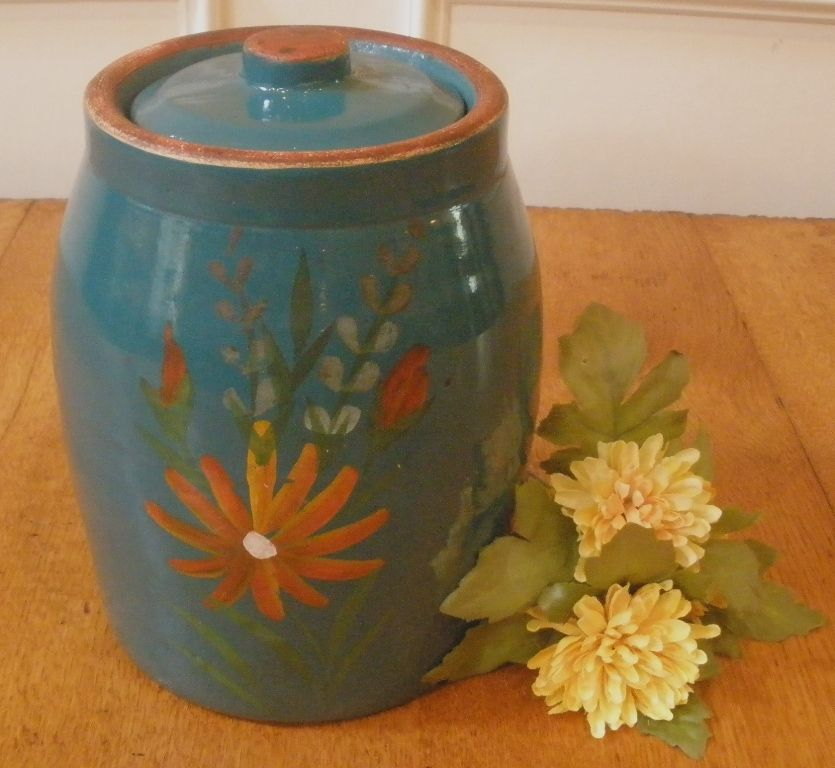 Vintage Hand Painted Stoneware 'Red Wing' Cookie Jar.-FREE SHIPPING-
