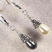 VENUS At A Mirror Earrings Swarovski White & Black Pearls Silver