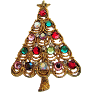 Eisenberg Ice Christmas Tree Vividly Decorated