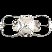 Signed Stuart Nye sterling silver dogwood flower brooch pin