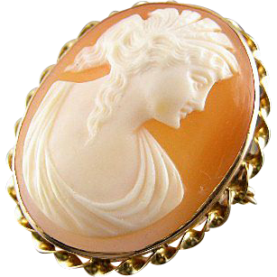 Antique Victorian 10k gold cameo brooch pin