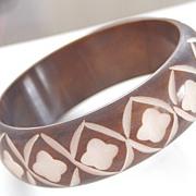 SALE Vintage Deeply Carved Cocoa Brown Overdyed Bakelite Bangle Bracelet