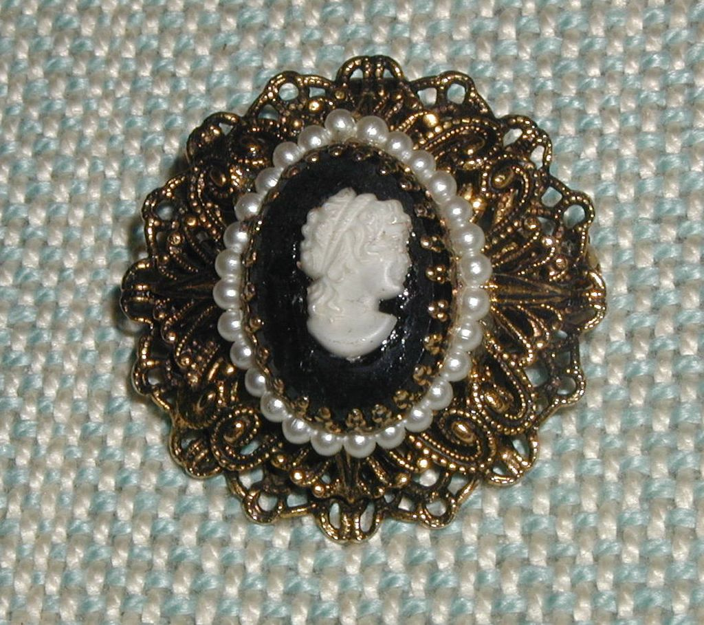 1970's Black and White Cameo Pin