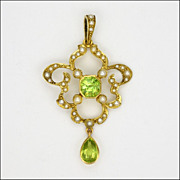English Edwardian 15K Gold Periodot and Seed Pearl Pendant