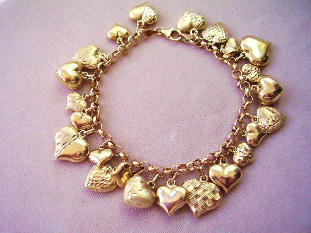 14 Kt Gold Hearts Charm Bracelet Made In Italy 16 9