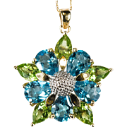 Adorable Peridot Topaz Flower Pendant 10k Gold Necklace