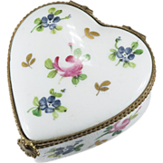 Lovely Vintage Limoges Hand Painted Heart Trinket Box